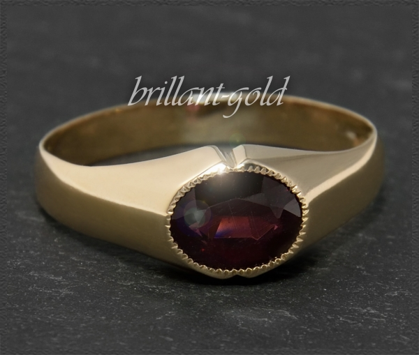 Antiker 2ct Granat Ring aus 333 Gold, Rotgold